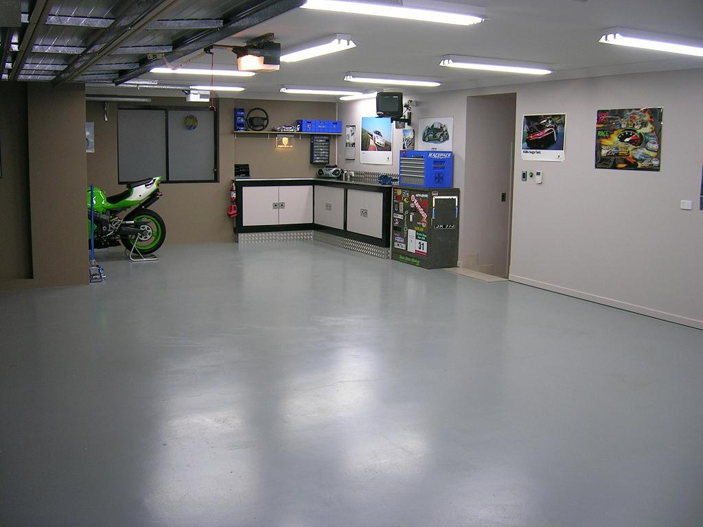 Eagle Cleanup. Garage cleanup. Professional trash removal services for your home or business.